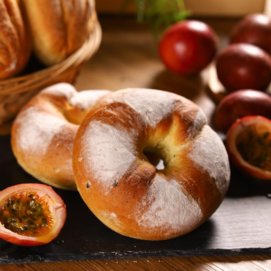 點心房小農-百香烏龍麵包
